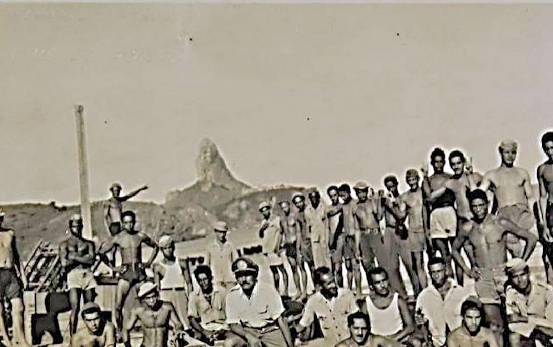 Funcionários e ajudantes no Porto de Santo Antônio